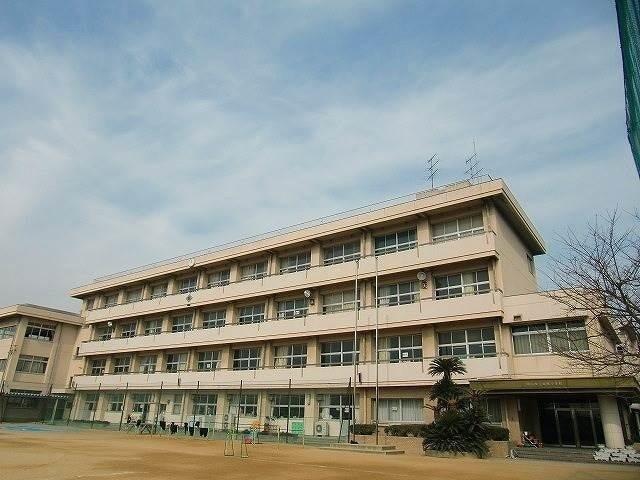 岡山市立妹尾小学校(小学校)まで561m