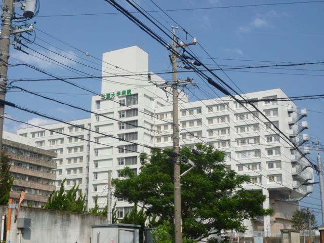国立大学法人三重大学医学部附属病院(病院)まで447m