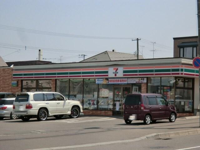 セブンイレブン西岡3-8(コンビニ)まで718m