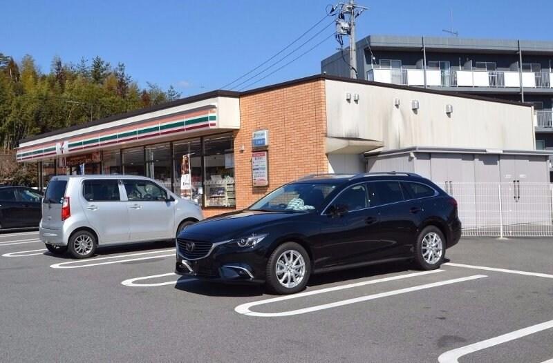 セブン-イレブン東広島西条東子店(コンビニ)まで691m