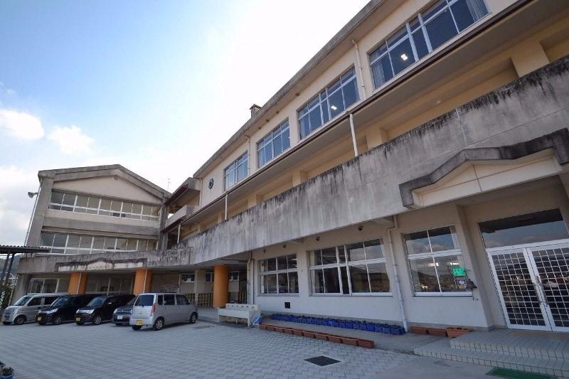 東広島市立板城小学校(小学校)まで1470m