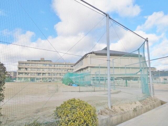 東広島市立 西条中学校(中学校/中等教育学校)まで1953m