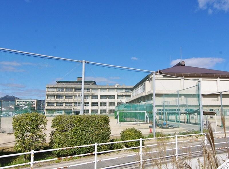東広島市立 西条中学校(中学校/中等教育学校)まで862m
