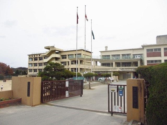 東広島市立八本松小学校(小学校)まで1085m