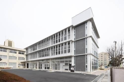岡山市立西小学校(小学校)まで1037m