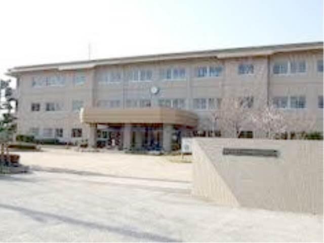 総社市立常盤小学校(小学校)まで790m