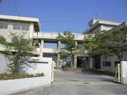 岡山市立操山中学校(中学校/中等教育学校)まで128m