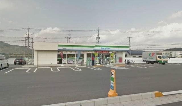 ファミリーマート岡山長岡店(コンビニ)まで1306m