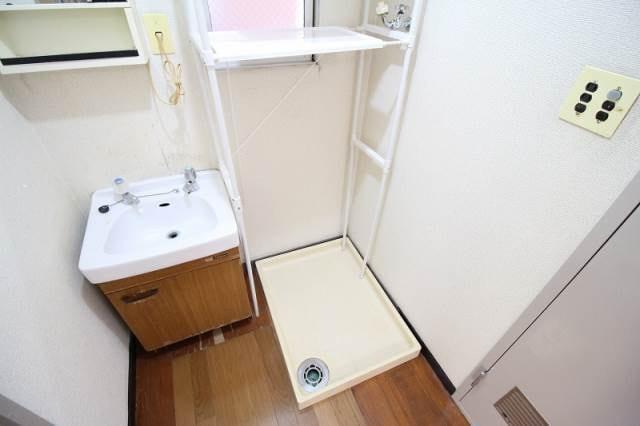 独立洗面台、室内洗濯機置き場