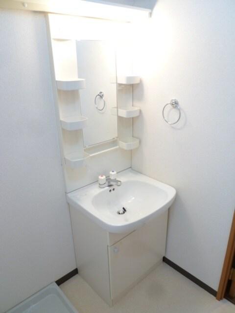 清潔感のある独立洗面台