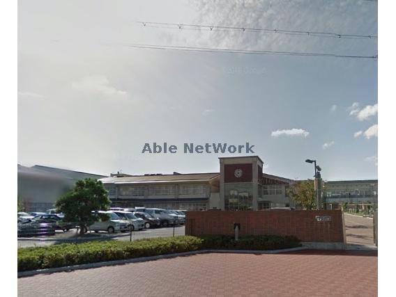 日野町立日野中学校(中学校/中等教育学校)まで559m