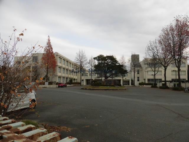 東近江市立聖徳中学校(中学校/中等教育学校)まで1221m
