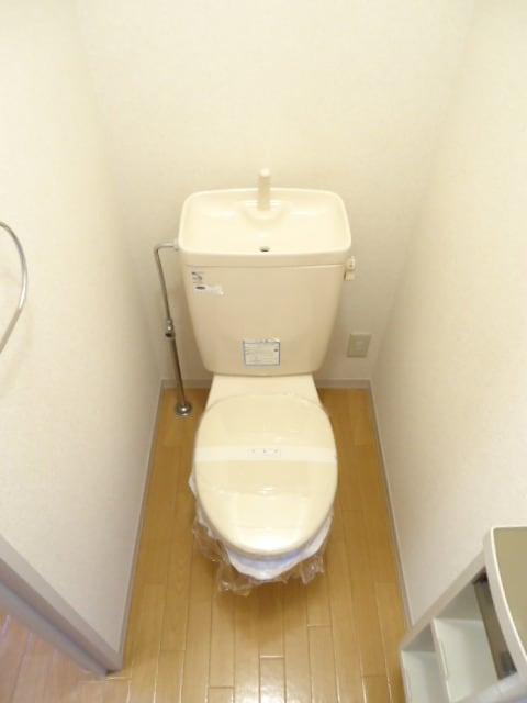 明るくゆったりとしたおトイレです