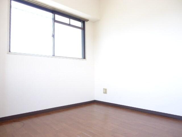 4.5帖の寝室です