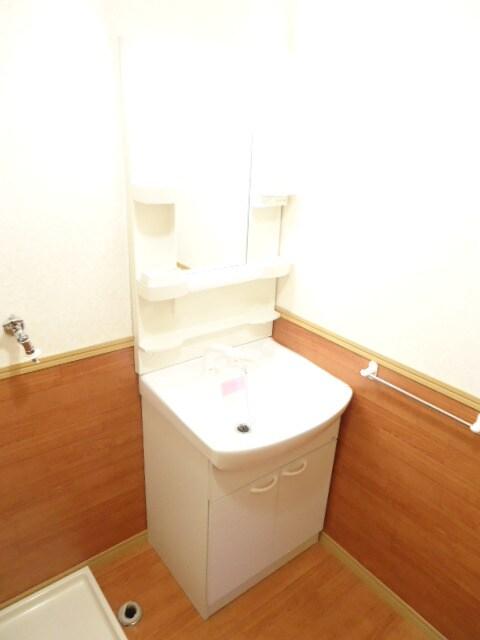 使い勝手の良い大型洗面台