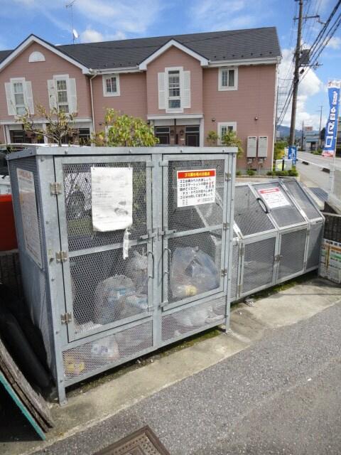 専用ゴミ置き場です