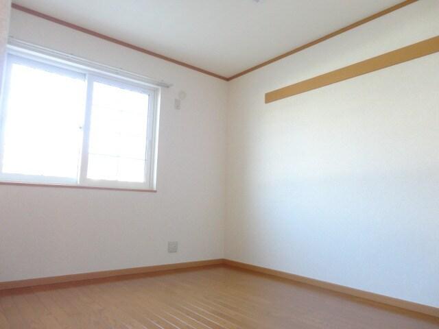 6.7帖の寝室です