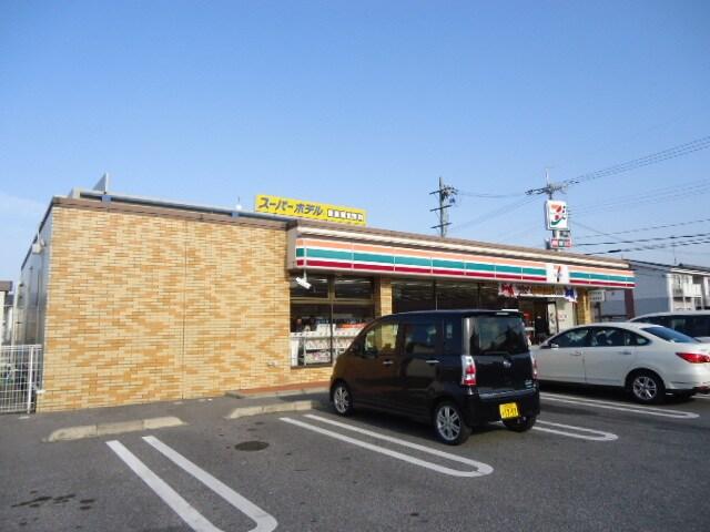 セブンイレブン彦根小泉町店(コンビニ)まで879m※セブンイレブン彦根小泉町店
