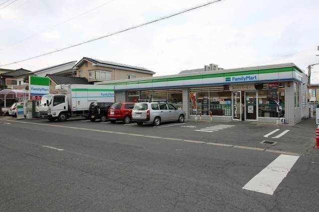 ファミリーマート岡山西川原一丁目店(コンビニ)まで370m