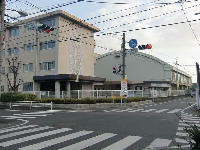 岡山商科大学 学生課厚生係(大学/短大/専門学校)まで1764m