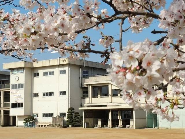 岡山市立宇野小学校(小学校)まで647m