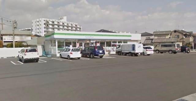 ファミリーマート岡山万倍店(コンビニ)まで733m
