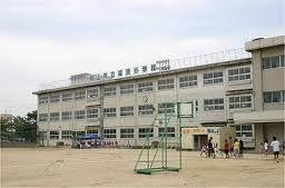岡山市立福浜小学校(小学校)まで985m