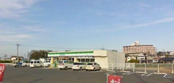 ファミリーマート岡山郡店(コンビニ)まで250m