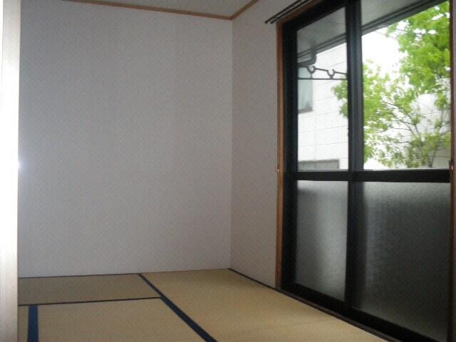 ダイニングの隣の和室
