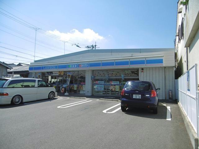 ローソン徳島城南町四丁目店(コンビニ)まで440m