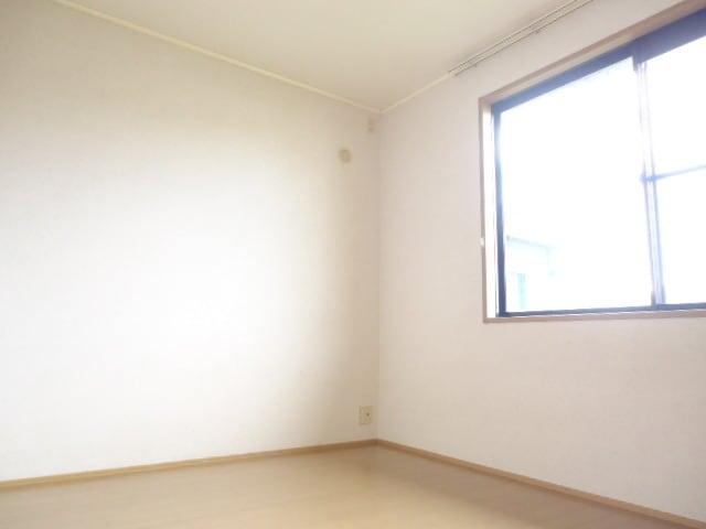 明るくゆったりとした洋室