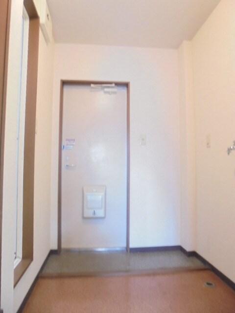 広々とした玄関です