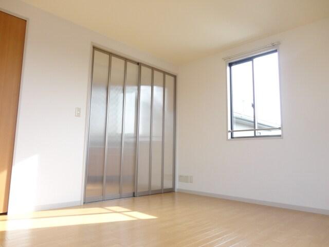 明るい洋室ですね