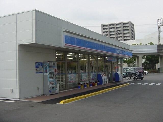 ローソン四日市芝田店(コンビニ)まで181m