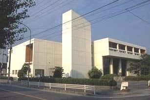 四日市市立図書館(図書館)まで99m