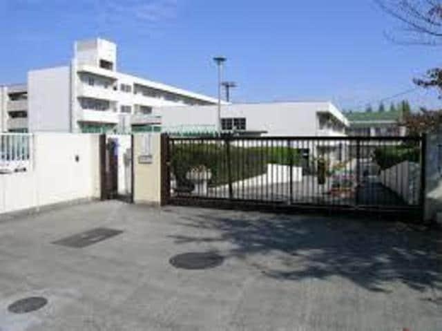 吹田市立片山中学校(中学校/中等教育学校)まで586m※吹田市立片山中学校
