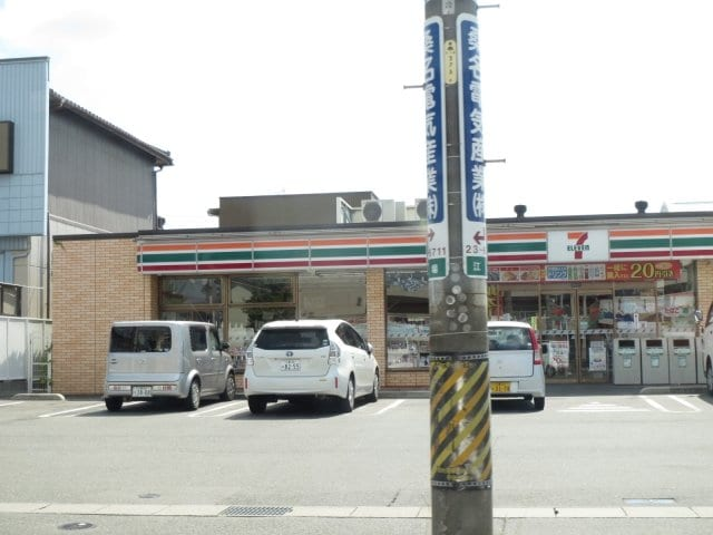 セブンイレブン桑名外堀店(コンビニ)まで544m