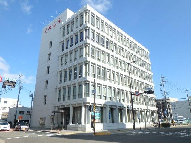 くわしん(本店)(銀行)まで907m