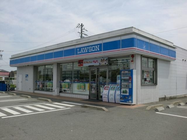 ローソン伊勢通町店(コンビニ)まで231m