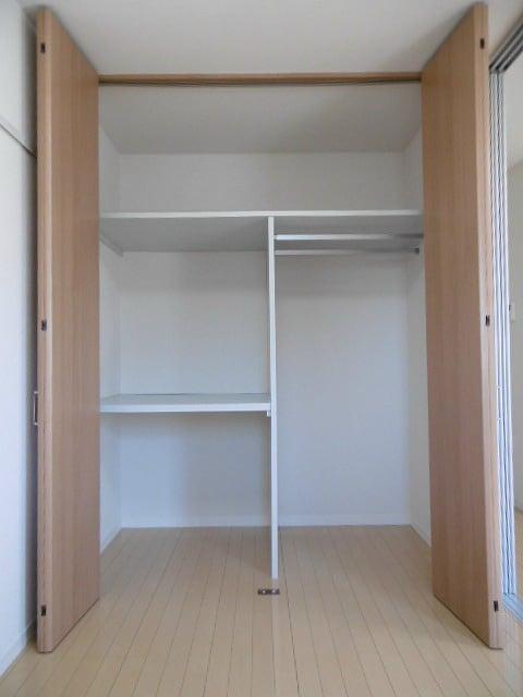 写真は201号室です(参考)