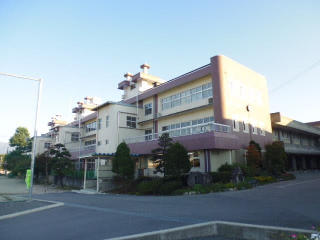 飯田市立鼎中学校(中学校/中等教育学校)まで1021m