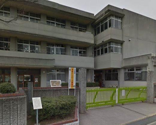 倉敷市立川辺小学校(小学校)まで80m