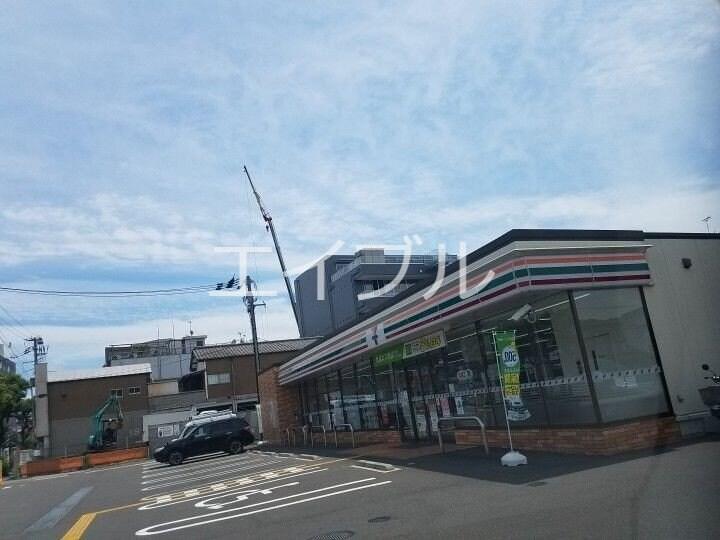 セブンイレブン高知駅北店(コンビニ)まで247m