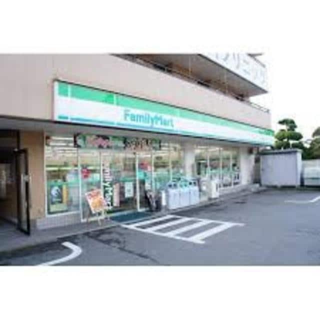ファミリーマート箕面白島店(コンビニ)まで172m※ファミリーマート箕面白島店