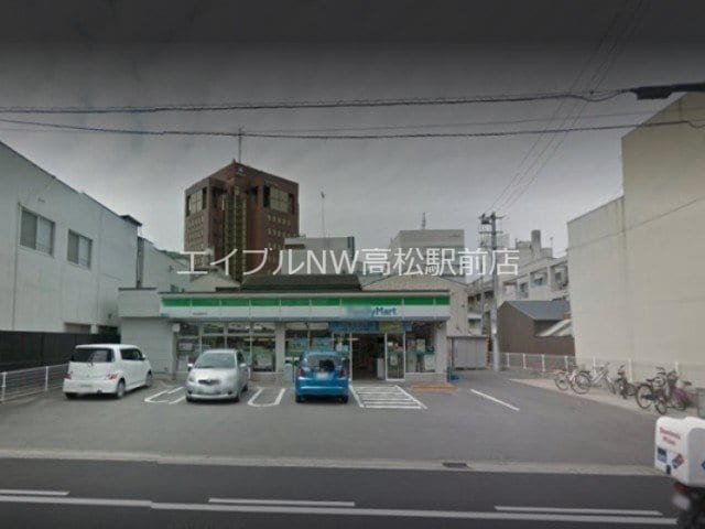 ファミリーマート高松藤塚町店(コンビニ)まで235m