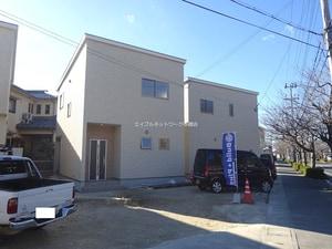 ロタス駅北桜通り