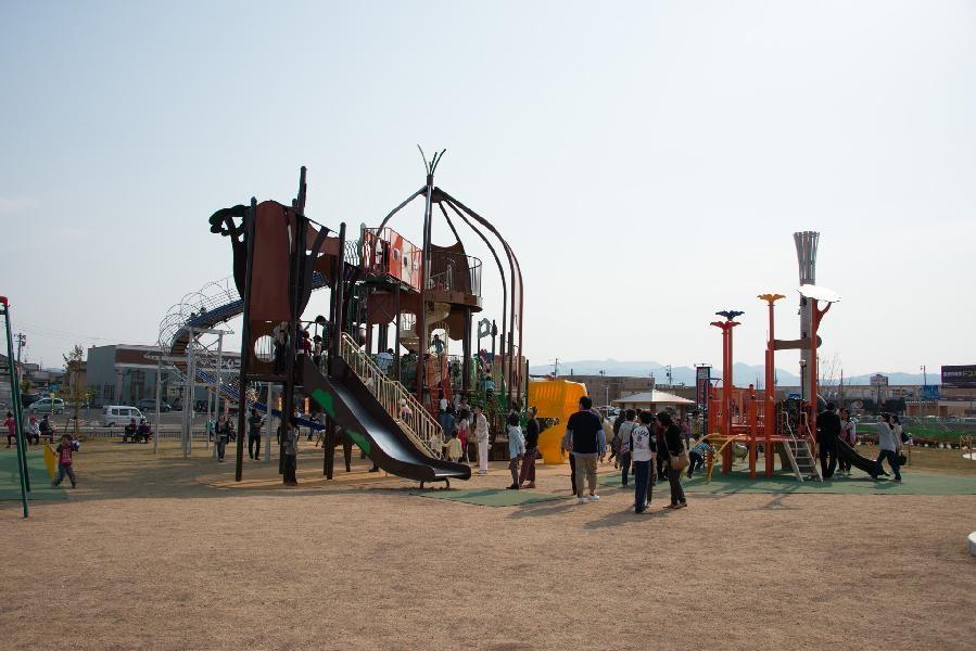 嶋遺跡公園(公園)まで1745m