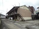 余部駅前荘(2F建て)の外観