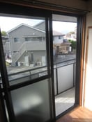 隣のお家とも離れております。