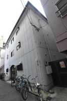 大阪メトロ御堂筋線/大国町駅 徒歩13分 1階 築23年の外観